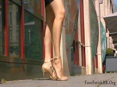 Sandali stiletto dorato