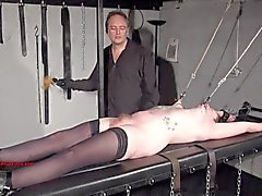 los esclavos aficionado tatuado extremas BDSM