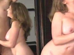 Amateur MILF da mamada en la webcam