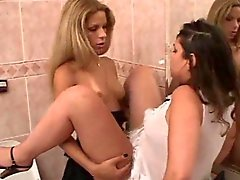 TS and tart casual sex in a toilet