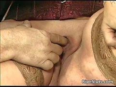 Divorcé mère BBW avec gros seins suce