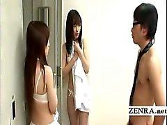Nudist hoca kız ögrencilerin erkek ögrencilere üniformalarını dönüşerek gören