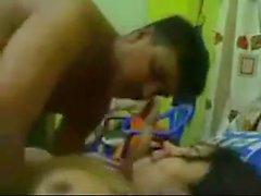 fille bangladeshi veulent baiser