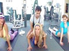 Popüler Jimnastik Salonu Klipler