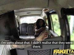 Taxi Faux grand corps et un cul chaud fissuration