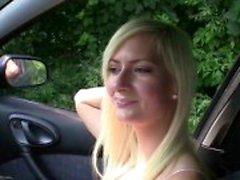 Parada de emergencia perra de - Chorrear rubio follada en el auto
