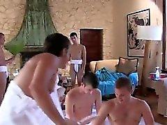 Gay filmato auto pollone pornografica Gli uomini Capa sono prepping