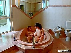 Busty Buffy - Джакуззи Sex Tape