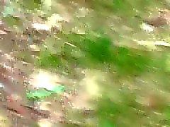 di MILF all'aperto catturato nella foresta mastubate cam nascosta