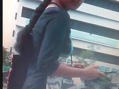 Intialaiset Nainen Boob Lehdistö julkisessa