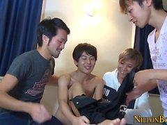Gay Japanin twinks imeä