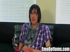 Emo Twink Andy Roberts zerrt auf seinem harte Schwänze