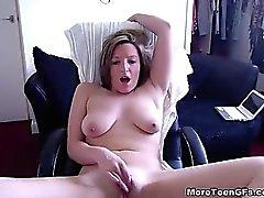 Enormes Saggy blonds ex bp masturbates largement
