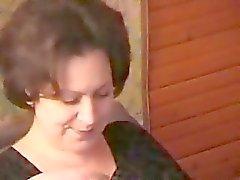 Betrunkener russischer Mutter entführt das Jugendherberge