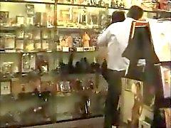 Tesoro Fottiamo Nel Sıcak Dükkanı