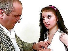 Indecente professor mais antiga está seduzindo pequeninos de castor sensual