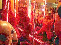 Thai Bar Girl zu tanzen Nackt