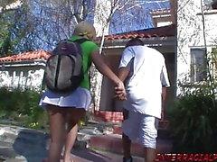 Studentessa ottiene un enorme ripieno di figa nera