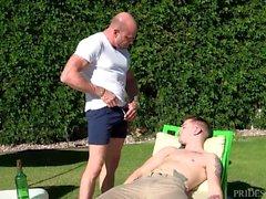DylanLucas isäpuoleni rankaisevat poika kanssa iso Kukko