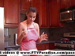 Alexa Loren adorava naked brunette della cucina