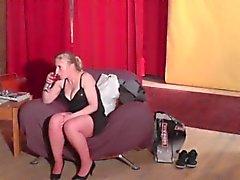 Eiaculazione sulle tette in real clip di nel backstage