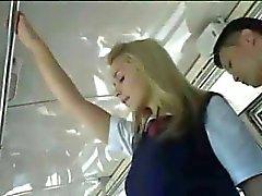 Blondine Hilfen Chinesisch Mann auf Bus