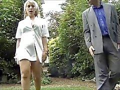 Enfermeira francês Fodendo no quintal por TROC