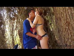 Hot teen couple fucking sur la plage - Jose y Merce