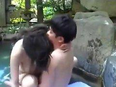 PublicAgent bionda con grandi tette ha sesso all'aperto in pubblico