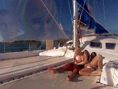 Di Diana oro ha una Lutiano Accuratamente Rasate Quella farsi scopare in un grande yacht