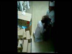 Tallennus leipomo samanaikaisesti työntekijää Läpi turvallisuus- -Cam