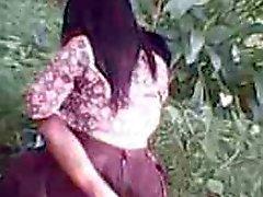 dell'Indonesia cewek del jilbab ngentot esterna