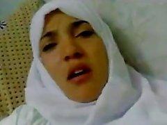 Merveilleuse l'arabe égyptien fille baise hijab dans les hôpitaux -