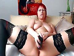 Gordito del redhead las gafas masturban