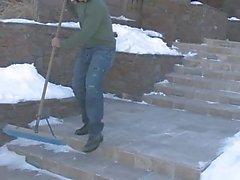 Plot gaie bandante travaux ménagers l'extérieur