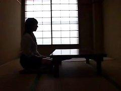 Seducenti Ragazza giapponese con un favoloso stuzzica asino e mezzi