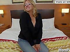 Eccitati signora anziana fa primo luogo del porn