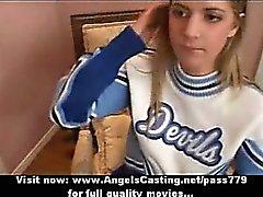 Amateur tolle blonden Cheerleaderin tut blowjob wird schwer durchgefickt