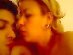 femmes plus âgées algériens baisée par un jeune homme