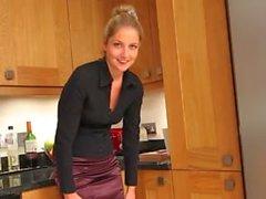 Mutfakta sarışın hatun sert Mastürbasyon