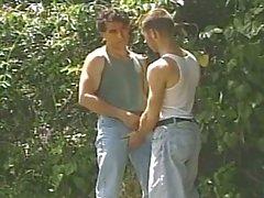 Pervertito Pelosa Gay Prigionieri della Outdoo