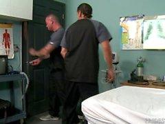 HOT Muscle Hunk Daddy fand einen leeren Raum, lass uns ficken und beeilen!