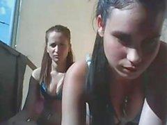 two girls topless myös parvekkeella