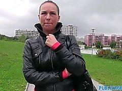 PublicAgent - Alicia eğildi ile fucked