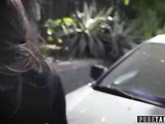 PURE TABOO Schoolgirl Gina Valentina punito con la coppia