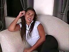 Beautiful teen argentinische Dildo und saugen