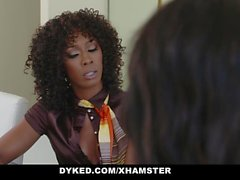 Dyked - Chanel Heart & Misty Stone Fodendo Lésbica Sexy