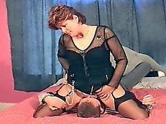 Cunilingus facesitting mature orgasm