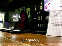 Bargirl ortak oral seks verir