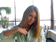 Nubiles Vídeos - imponente Ebbi cums para usted
